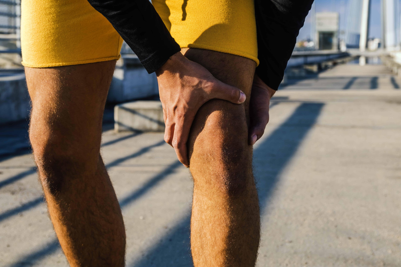 Miglior trattamento per le ginocchia battute, video...